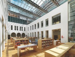 Biblioteka na Koszykowej w Warszawie